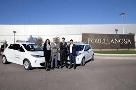 Porcelanosa también apuesta por la movilidad sostenible Renault y myRecarga